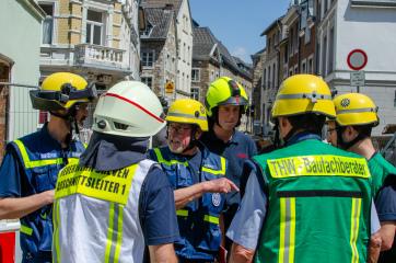 THW-und-Feuerwehr