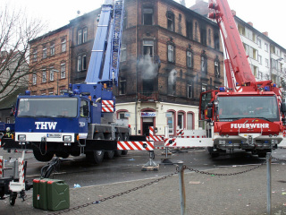 THW und Feuerwehr bei der Zusammenarbeit